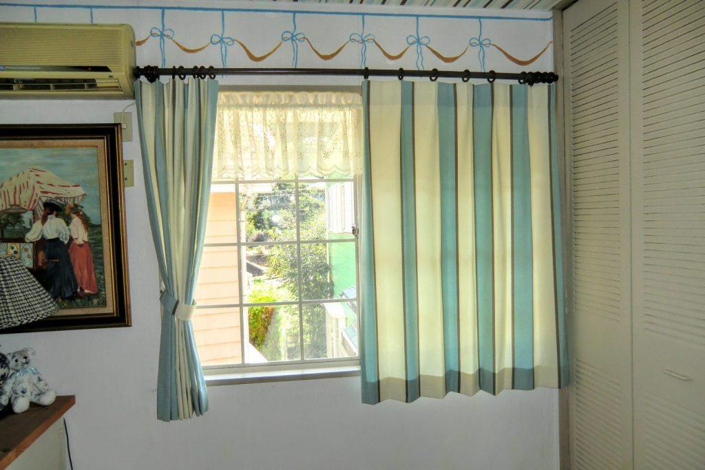 オーダーカーテン-出窓-スミノエ-町田市-アイアンレール-森の風