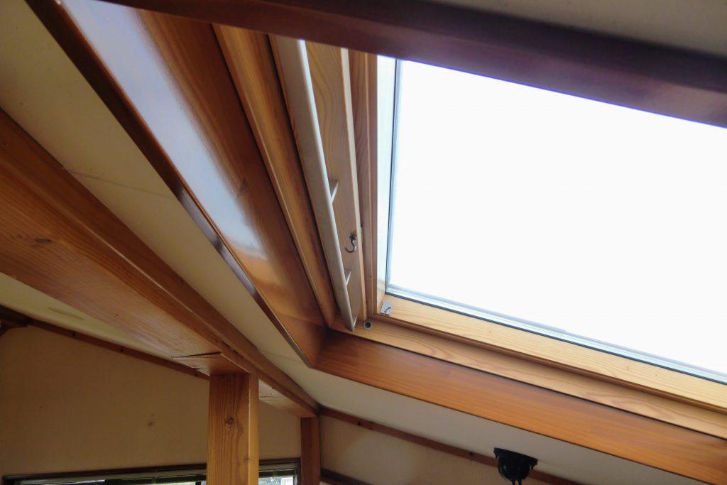 天窓の日射し対策-ロールスクリーン-町田市-自社施工