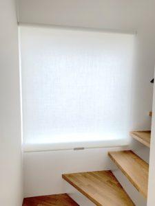 新築-階段-ロールスクリーン-シンプル-おしゃれ