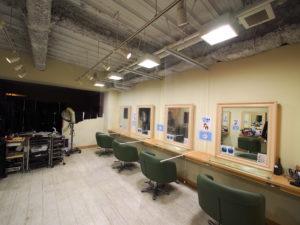 コロナ-透明ロールスクリーン -美容院-対策事例