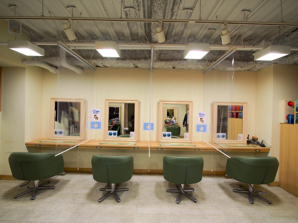 コロナ-透明ロールスクリーン -美容院-対策事例-相模原市