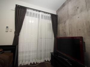 寝室 カーテン 画像