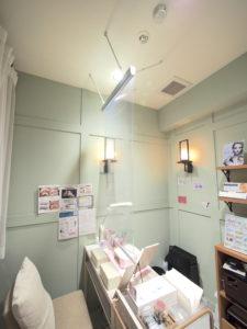 透明ロールスクリーン -コロナ対策-美容院-ネイル-町田市-Neolive-透明ビニール