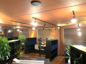 02-ペダラーダ-PEDALADA-とろけるハンバーグ-飲食店-ウッドブラインド-インテリア-内装-木製ブラインド