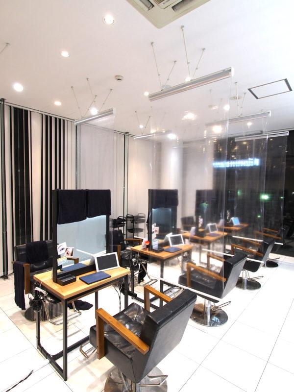 フラミューム静岡店 透明ロールスクリーン