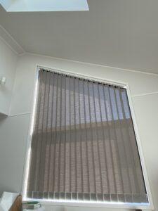 02-バーチカルブラインド-縦型ブラインド-傾斜窓-天窓-ブラインド-大和市-施工事例