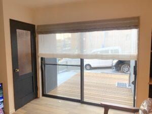 IMG_1701-オーダーカーテン-ローマンシェード-シェード-掃き出し窓-インテリア-新築戸建-おしゃれ
