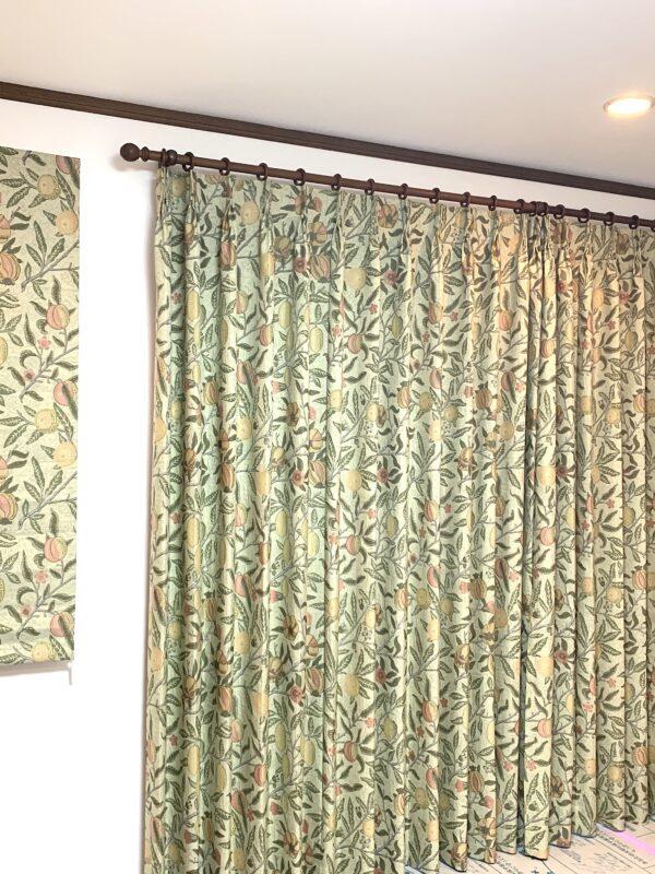 相模原市 N様 LDKの掃出し窓にウィリアムモリスのカーテン