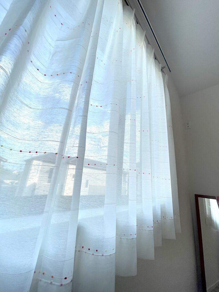 オーダーカーテン-麻-ナチュラル-インテリア-注文住宅-子ども部屋-子供部屋-カーテン-かわいい