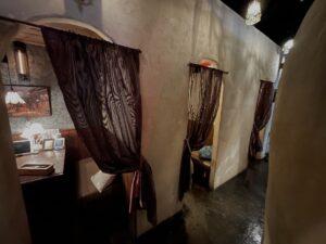 オーダーカーテン-町田-ラヴァーズロック-飲食店-レストラン-パーテーション-間仕切り-飲食店-01
