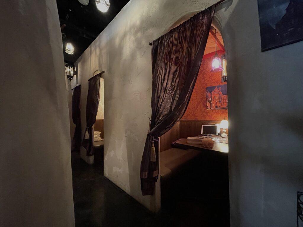 オーダーカーテン-町田-ラヴァーズロック-飲食店-レストラン-パーテーション-間仕切り-飲食店-02