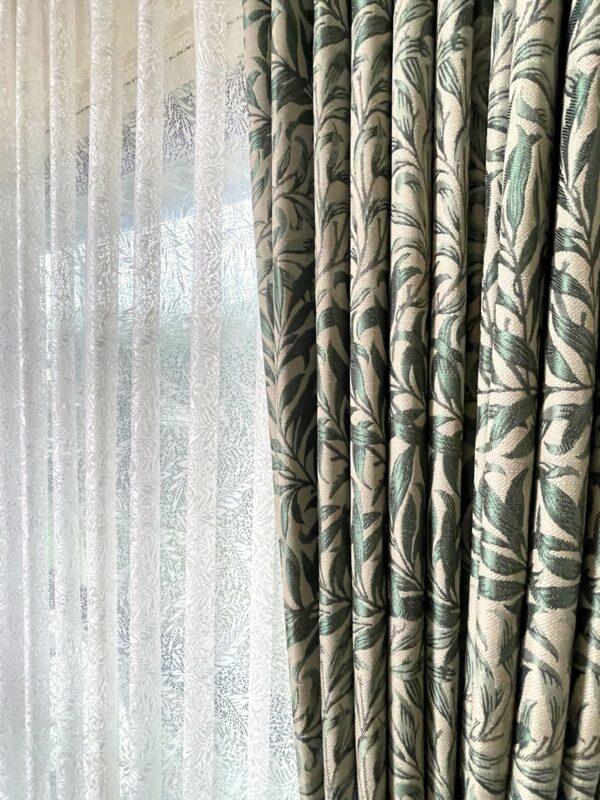 横浜市青葉区 Y様 リビングの掃き出し窓にウィリアムモリスの遮光カーテン
