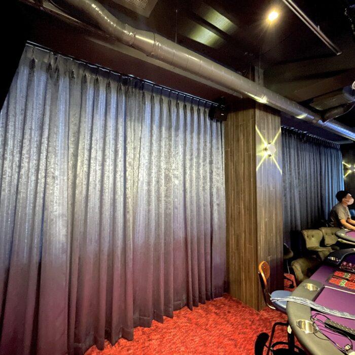 RALLY`s CASINO 町田店様 高級感あるベルベッドのオーダーカーテン